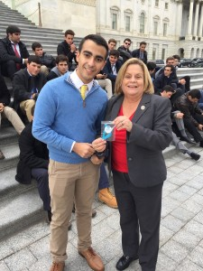 Jonathan Aguiar enlists the support of Ileana Ros-Lehtinen for his initiative Know More
